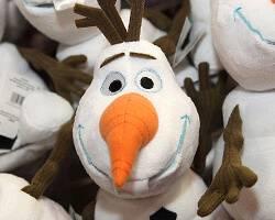 Fans Still Gripped by Frozen Fever